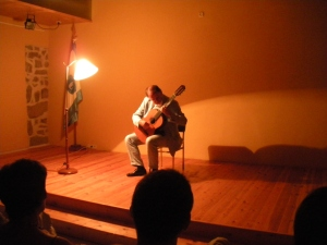 PIERO BONAGURI interpretando el Valse-Choro, nuevo descubrimiento por Fr. Zigante) de Villalobos
