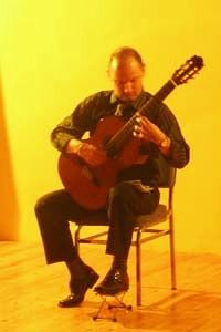 JAVIER MAIZ interpreta el Capricho Árabe y su arreglo de El Vito