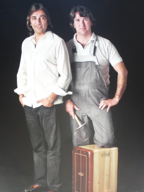 Antonio Carmona y Pepote (Artesano de cajón flamenco)
